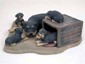 Rottweiler Figurine Mom & Pups