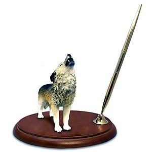 Wolf Pen Holder